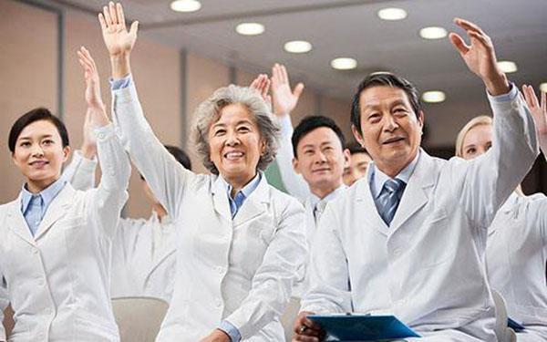 从医学生到医生,路有多长?